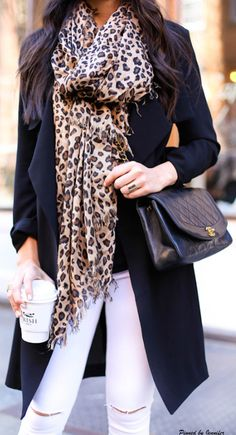 Leopard scarf and cute outfit Fashion Moda, Look Fashion, Fashion Beauty, Womens Fashion, Fashion Trends, High Fashion, Looks Style, Style Me, Denham Jeans