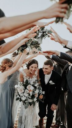 16 best wedding photo wedding photographers near me - Hochzeitsfotografie - LowCarb Wedding Picture Poses, Wedding Photo Albums, Wedding Photography Poses, Wedding Poses, Wedding Photoshoot, Wedding Shoot, Photography Ideas, Maternity Photography, Family Photography