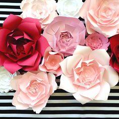 Pared de flores de papel, listo para barco, gran papel el telón de fondo de…