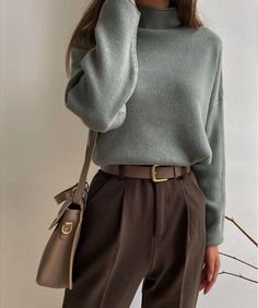 Minimalist Fashion Must Haves .Minimalist Fashion Must Haves Retro Outfits, Mode Outfits, Cute Casual Outfits, Vintage Outfits, Vintage Fashion, Retro Fashion, Business Casual Outfits, Modern Fashion, Chic Outfits