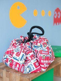 DIY-Anleitung: Spielmatte und Spielzeugtasche in einem nähen via / sewing pattern for the nursery: sew a playing mat maDaWanda.com