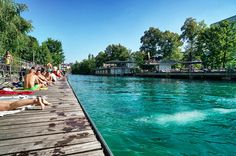 Die Limmat in Zürich im Sommer - Reisen in die Schweiz!
