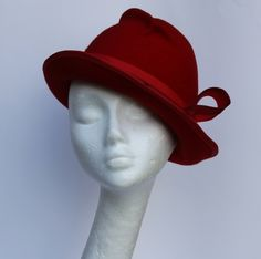 By IVANA HOWCROFT #millinery #HatAcademy #hats