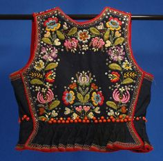 Boho Embroidery Woman's vest (back) from Krakow, Poland - Polish Embroidery, Hungarian Embroidery, Folk Embroidery, Vintage Embroidery, Embroidery Patterns, Polish Folk Art, Folk Clothing, Boho Girl, Ethnic Dress