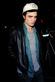 Rob candids — October 3, 2009 | Vancouver