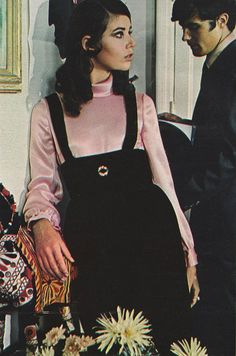 """justseventeen: """" October 'A turtled shirt makes moonshine with a midnight brown jumper-skirt. 60s And 70s Fashion, Seventies Fashion, Teen Fashion, Retro Fashion, Fashion Models, Vintage Fashion, Lauren Hutton, Retro Mode, Mode Vintage"""
