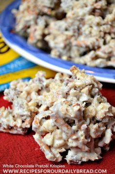 am going to show you how to make these easy deliciously sweet and salty White Chocolate Pretzel Krispies using your microwave. I am going to show you how to make these easy deliciously sweet and salty White Chocolate Pretzel Krispies using your microwave. Köstliche Desserts, Delicious Desserts, Dessert Recipes, Dessert Bread, Rice Crispy Treats, Krispie Treats, Crispy Cookies, Holiday Treats, Holiday Recipes