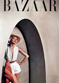 This year, Harper's Bazaar, the oldest continuously published fashion magazine in the world, celebrates its anniversary. Here, take a photo tour of vintage images. Vogue Vintage, Vintage Vogue Covers, Fashion Vintage, 1950s Fashion, Vintage Clothing, Women's Clothing, Magazine Mode, Vogue Magazine, Magazine Wall