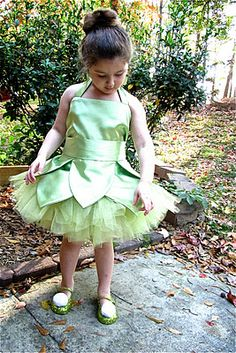 Tinkerbell costume tutorial thought your mom and you could team up and do this with all the princesses you could make a killing this Halloween