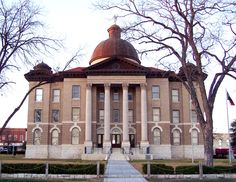 Hays County Court House, San Marcos ... this is a near-twin to the Fort Bend Co Courthouse in Richmond