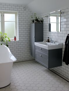 vårt badrum │ Search Results │ Johanna Bradford Small Bathroom Inspiration, Bathroom Design Small, Bathroom Inspo, Old Apartments, Victorian Bathroom, Home Decor Styles, Cozy House, Restaurant, New Homes