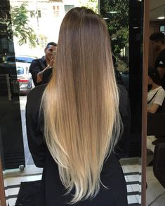 Her hair when it's straightened - Frisuren Cabelo Ombre Hair, Balayage Hair, Balayage Highlights, Brown Blonde Hair, Brunette Hair, Blonde Ombre, Beautiful Long Hair, Gorgeous Hair, Silky Smooth Hair