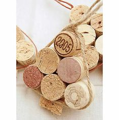 Personalized Items, Diy Creative Ideas, Decorating Ideas, Pipe Cleaners, Wine Corks, Fabric Decor, Advent, Flowers