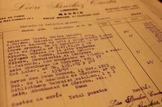 """Factura de León Sánchez Cuesta por algunos de los primeros libros comprados para la biblioteca.  """"La EEA se instalará en la llamada Casa del Chapiz, donde se organizará su biblioteca…"""" y se detalla una partida especial """"para material científico y biblioteca"""" de 25.000 ptas"""" [Proyecto de Ley de creación de la EEA, aprobado el 27/1/1932 y publicado en la Gaceta de Madrid (4/2/1932), según recoge Camilo Álvarez de Morales en """"La Casa del Chapiz"""" (2013 p. 105-106)"""