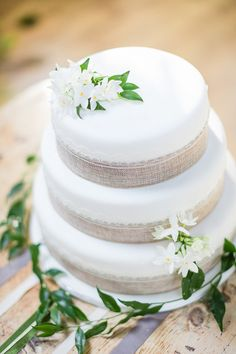 Keeping the Cake Simple | Irish Spring Wedding Inspiration at the Old Deanery