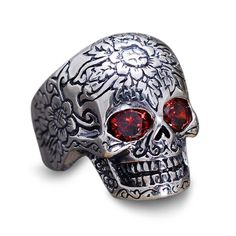 Commemorating the passage to the afterlife of Hel, The Warrior Lodge presents its Hel Collection, combining the beauty of Pure Sterling Silver with the most discerning aspect of death, the Grinning Skull. The ring is handcrafted of pure and certified 925 Sterling Silver. 