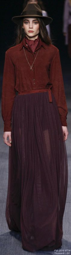 Perfect outfit for Autumn = chocolate brown + cranberry + plum. Here: Fall 2016 Ready-to-Wear Trussardi