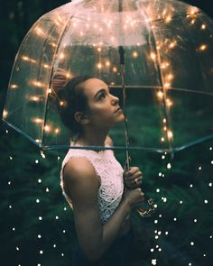 Creative and affordable photo idea for magical winter / Christmas photo shoots. [by Bryan Adam Castillo] Fairy Light Photography, Umbrella Photography, Night Photography, Amazing Photography, Digital Photography, Photography Ideas, Creative Portrait Photography, Creative Portraits, Creative Photos