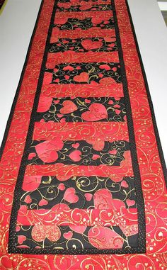 Valentine Table Runner Hearts Metallic handmade quilted
