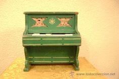PIANO DE JUGUETE EN MADERA