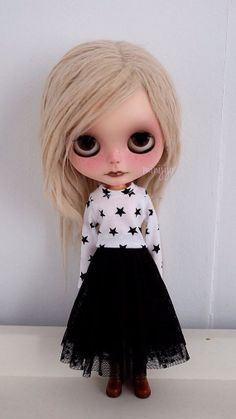 Black Stars Top and Skirt set for neo Blythe by MINIJIJO on Etsy, $15.00