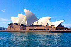 Australia is not exactly known as a cheap country. Things such as food and accommodation can be quite expensive, but there's also good news for people who are planning to visit the land down under. There are heaps of free things to do! Here's a list of 42 free things to do and see in …