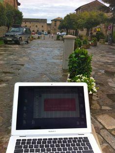 Emprender en el medio rural con el apoyo de las nuevas tecnologías  http://www.anahernandezserena.com/emprender-en-el-medio-rural-con-el-apoyo-de-las-nuevas-tecnologias/#