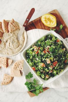 I've been on a raw kick lately. I'm not a fan of raw broccoli, but this broccoli hemp tabbouleh changed the game for me. Healthy Filling Snacks, Healthy Salad Recipes, Healthy Meals, Healthy Food, No Dairy Recipes, Raw Food Recipes, Free Recipes, Tabbouleh Recipe, Kitchens