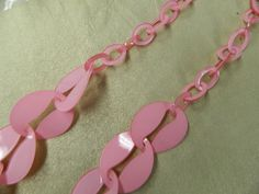 """Vintage pink oval chain Lucite necklace  37"""" (94.5 cm)  size of large ovals 2 x 1 3/4"""" small ovals 1 x 3/4""""  very fun #necklace that will add color to any outfit  I really c... #jewelry #necklaces"""