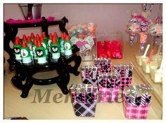 Lindos detalles mesa de dulces Monster High
