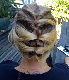 Find your dream DIY wedding hair with How-to Hair Girl Offbeat Bride Twist Braid Hairstyles, Bride Hairstyles, Pretty Hairstyles, Vintage Hairstyles, Diy Wedding Hair, Bridal Hair, Wedding Ideas, Twisted Updo, Looks Cool