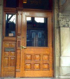 dupont circle door, D.C. (my photo ELU)