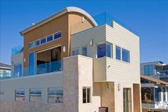 House vacation rental in Mission Beach from VRBO. OMGoodness!!!!! look at this Mike.. expensive but love.