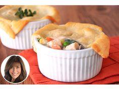 Mini chicken pot pies! Cute + guilt-free.