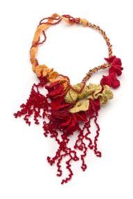 ARRECIFES DE CORAL I  Collar /Hilo de seda, hilo de algodón, cuentas de vidrio /Kumihimo, chaquiras  NORMA RINAUDO 2011