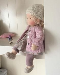 clothes for waldorf style dolls Pretty Dolls, Beautiful Dolls, Fabric Dolls, Paper Dolls, Doll Toys, Baby Dolls, Dolly Doll, Sewing Dolls, Knitted Dolls