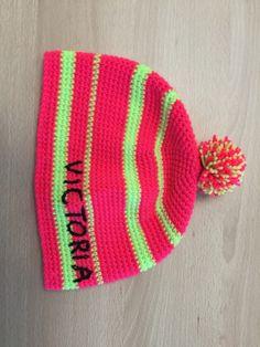 Mütze mit Name gehäkelt Knitted Hats, Beanie, Knitting, Fashion, Breien, Moda, Tricot, Knit Caps, Beanies