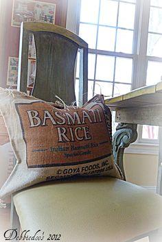 DIY no Sew burlap pillow {grain sacks} - Debbiedoo's