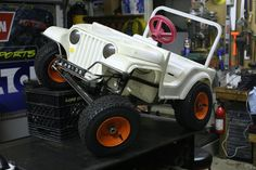 Modified Power Wheels - Offroad metal framed Jeep with suspension