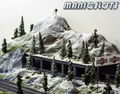 ManicSlots' slot cars and scenery: GALLERY: Slot Car Scenery - Adding the detail