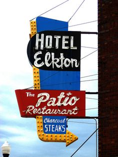 Hotel Elkton sign in Quincy, Illinois