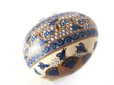 Ready to ship! Easter Egger Chicken, Egg Shell Art, Easter Egg Designs, Ukrainian Easter Eggs, Shell Ornaments, Egg Crafts, Easter Traditions, Egg Art, Gourd Art