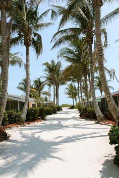 Waterside Inn on the Beach a Beachfront Resort - Sanibel Island Condos and Beachfront Cottages