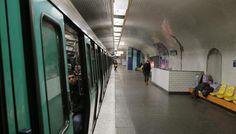 Paris : un homme opéré en urgence sur le quai dune station de métro http://vdn.lv/qvX2B3