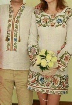 New Ideas Embroidery Mexican Pattern Shirts Embroidery Fashion, Embroidery Dress, Chemises Country, Folk Fashion, Womens Fashion, Embroidered Clothes, Kurta Designs, Fashion Pictures, Casual Outfits