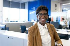 Saran Diakité Kaba (PSA), diplômée de l'ENSCI, reçoit le prix de la Femme de l'année 2017 – L'argus PRO
