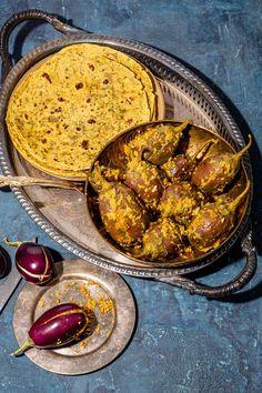 Marcella Hazan's Tomato Sauce Recipe - NYT Cooking Indian Food Recipes, Italian Recipes, Vegetarian Recipes, Ethnic Recipes, Tomato Sauce Recipe, Sauce Recipes, Baby Eggplant, Eggplant Curry, Famous Recipe