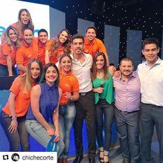 No dormimos nada!!!! Vamos que falta mucho aún estamos en vivo con @teletonparaguay divirtiéndonos con este gran equipo humano #EstamosTodos