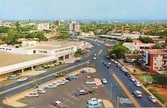 Cuando así lucía la Av. 5 de julio en Maracaibo, con Sears incluido. | ¿Puedes ver estas 24 fotos sin querer de vuelta a la Venezuela de antes?