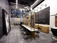 Creneau International › R, Hair Salon Enzo Riggio is a name that rolls right off your tongue, doesn't it? Its exuberant pronunciation is more than matched by the talent and flair of its owner. Mr. Riggio is a hairdresser/legend who's been running his own successful salon in Genk for almost 20 years. When a new shopping center was being built in his hometown, he jumped to the opportunity to create his own idea of heaven for hair design. Creneau came in to create a salon that does justice to…